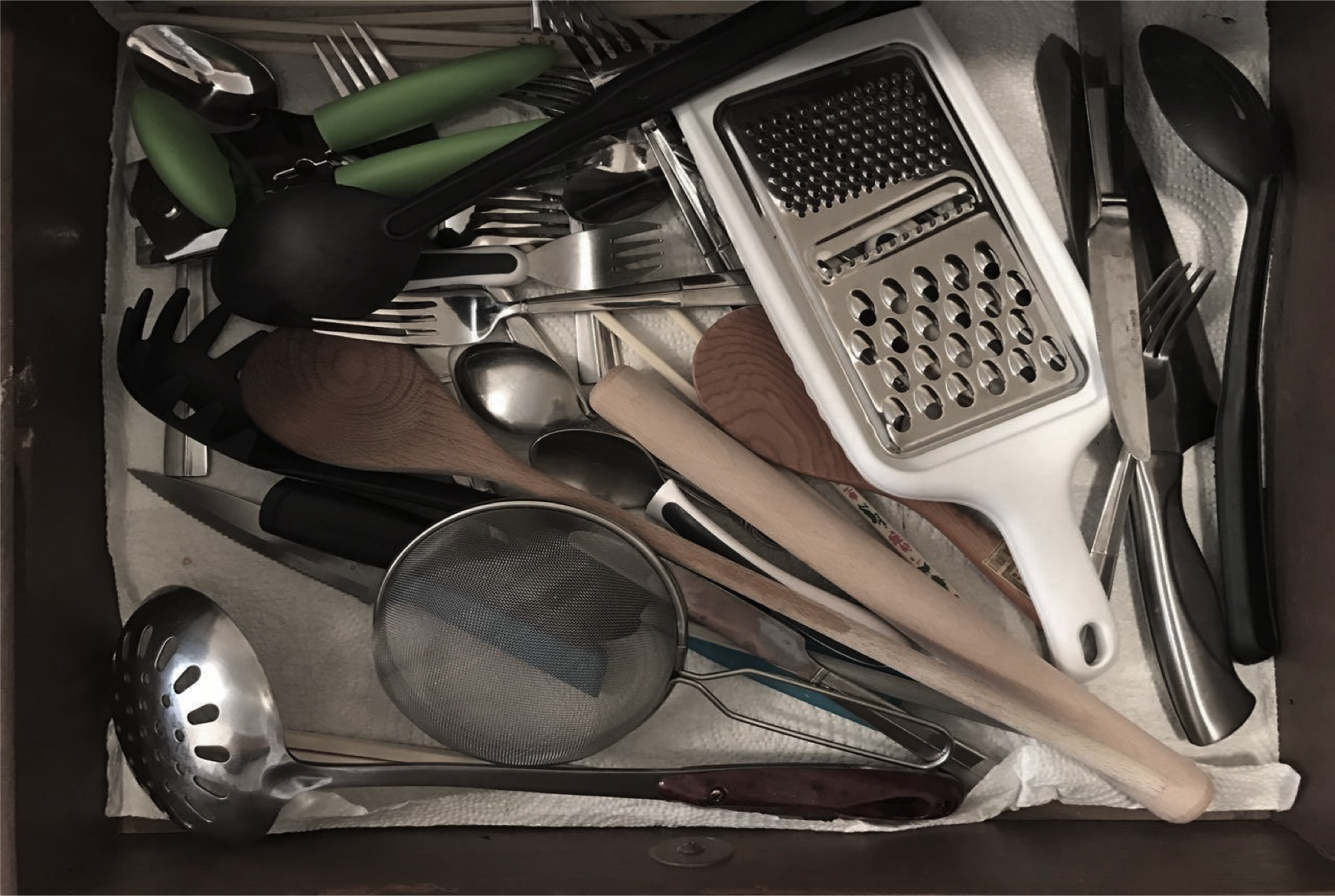 Average utensils and materials
